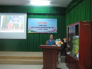 Bà Phan Thị Thu Hà – Chủ tịch Hội Hữu nghị Việt Nam – Pháp phát biểu  kỷ niệm 45 năm thiết lập quan hệ ngoại giao Việt Nam - Pháp